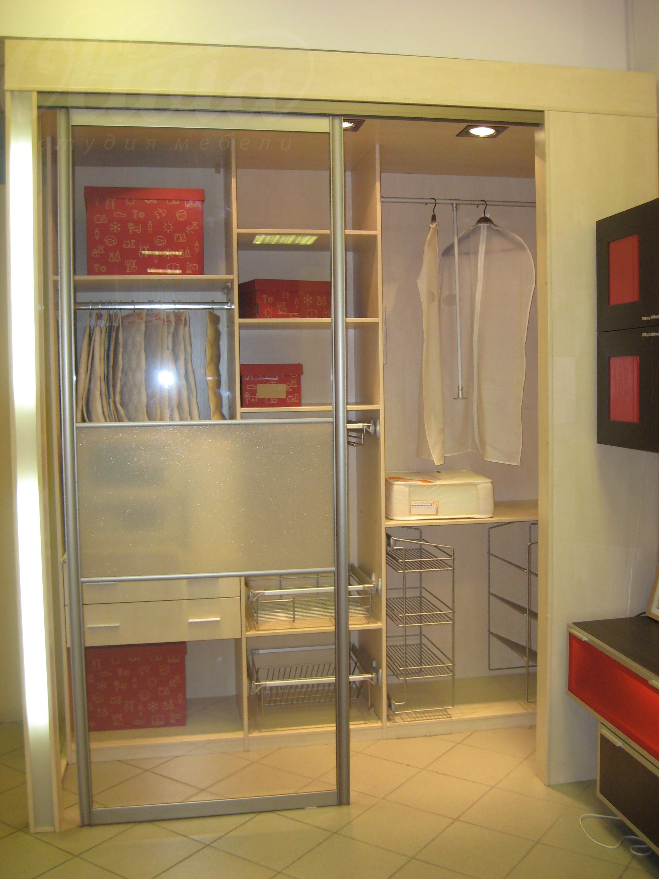 Двери гардеробных комнат своими руками фото